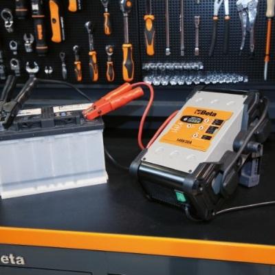 Chargeur de batteries électronique BETA TOOLS 1498/120A